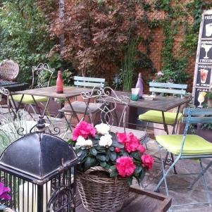 Cafeter a tienda salvador bachiller montera la glotona for Jardin secreto montera